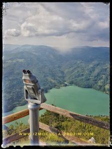 Pogled na jezero i susednu Bosnu i Hercegovinu